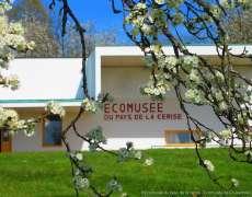 Extérieur de l'Ecomusée du Pays de la cerise à Fougerolles