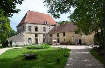 Adelans-et-le-Val-de-Bithaine : Salon d'art contemporain